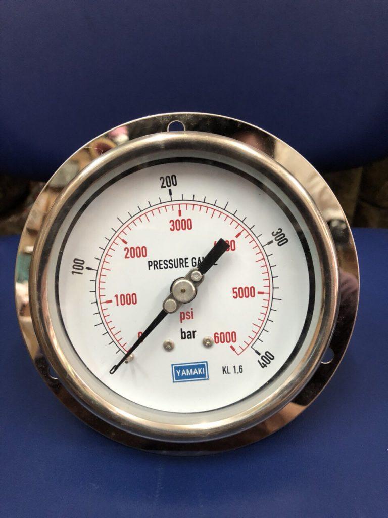 Đồng hồ đo áp suất chân sau có vành