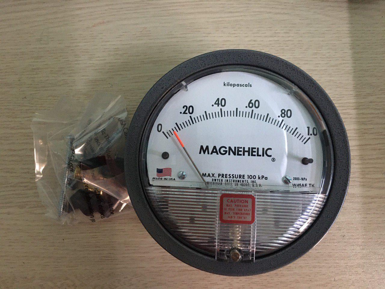 Đồng hồ đo chênh áp Dwyer 0-1Kpa