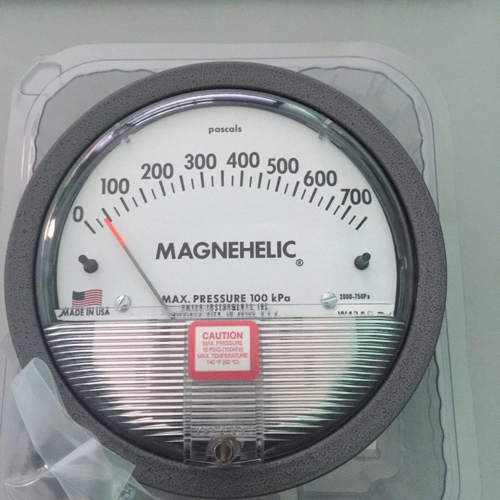 Đồng hồ đo chênh áp 0-750Pa