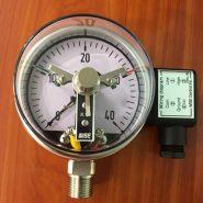 Đồng hồ áp suất 3 kim có tiếp điểm điện Wise