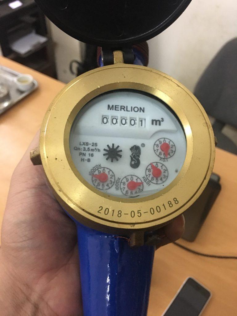 Đồng hồ nước lạnh Merlion phí 27mm lắp cho chung cư, gia đình