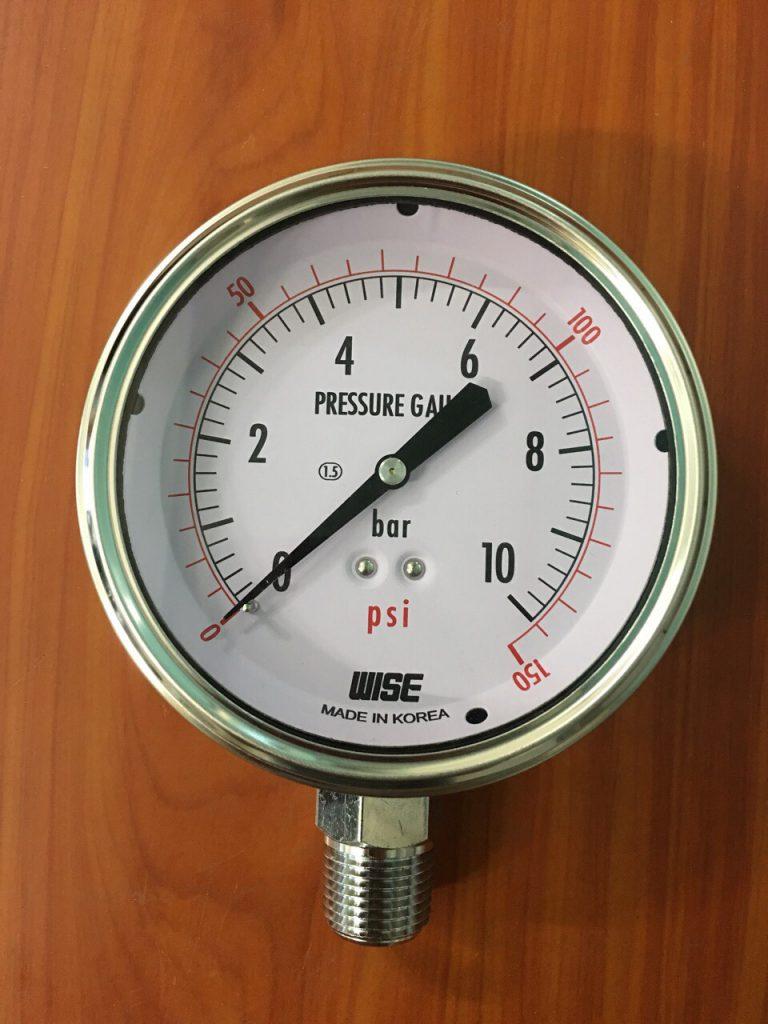 Đồng hồ đo áp suất Wise 10 bar vỏ inox, chân đồng mạ niken, mặt 100mm không dầu