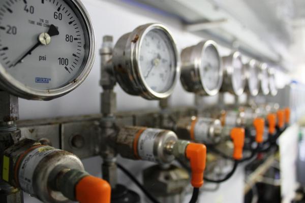 Lắp đặt đồng hồ wika cho hệ thống giải pháp nước